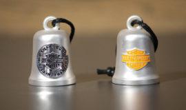 """Harley-Davidson clochette """"Lille-Europe """" métal gris mat"""