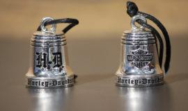 "Harley-Davidson clochette ""Old English Ride"" métal Chromé"