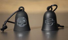 """Harley-Davidson clochette """"Skull Willie G"""" métal noir mat"""