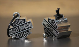 """Harley-Davidson grand """"Bar&Shield"""" métal Chromé"""
