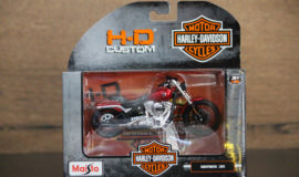 "Harley-Davidson Miniature moto ""BREAKOUT ROUGE"" Maisto"