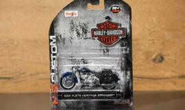 "Harley-Davidson miniature moto ""HERITAGE SPRINGER"" Maisto"